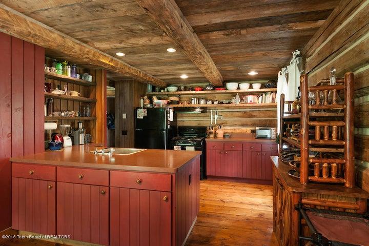 23 Guest Cabin Kitchen