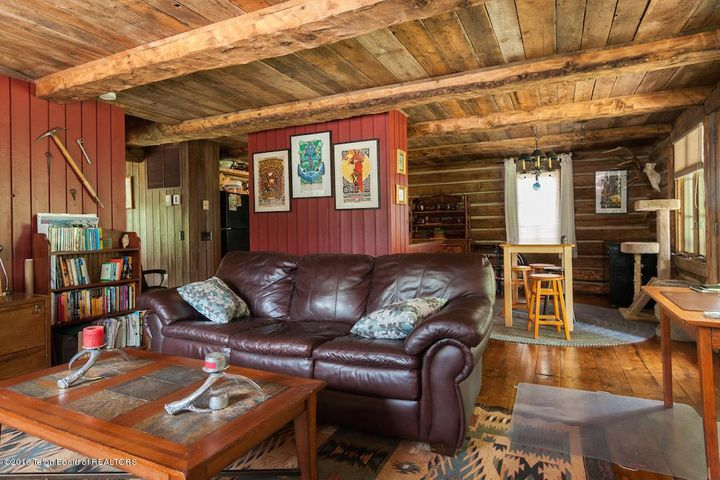 24 Guest Cabin Living Room