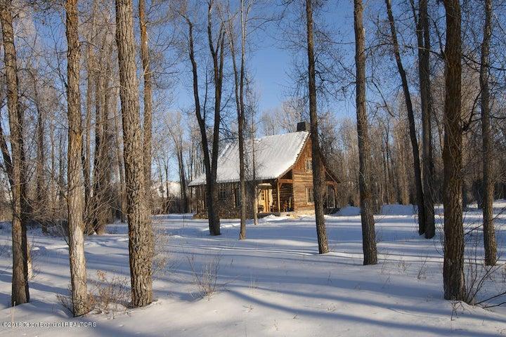 21 Winter Guest Cabin Exterior
