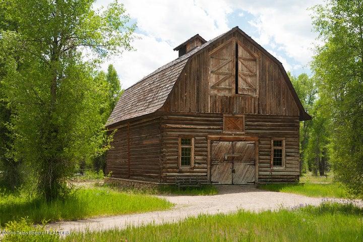 26 Summer White Grass Barn