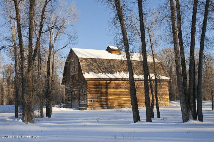27 Winter White Grass Barn Exterior