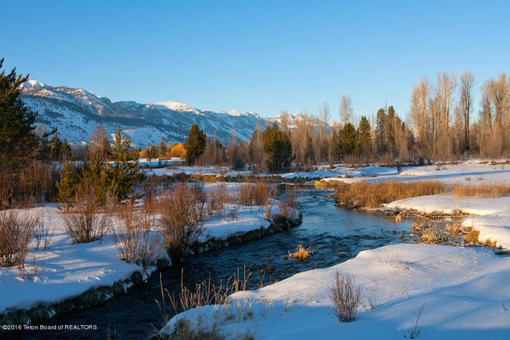 37 Winter Creeks + Tetons