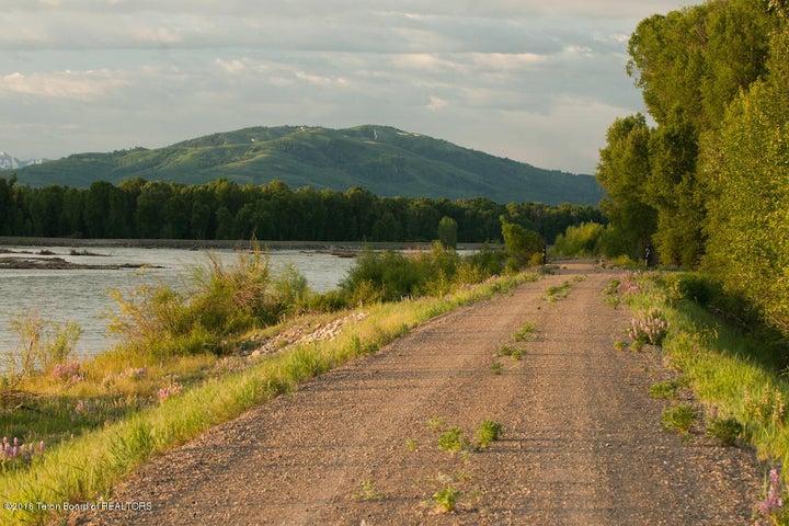 39 Summer Snake River Dike South