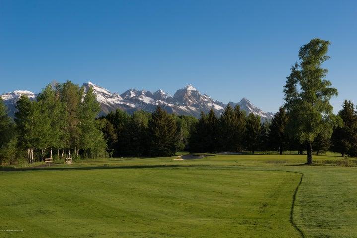 2nd Hole Golf & Tennis