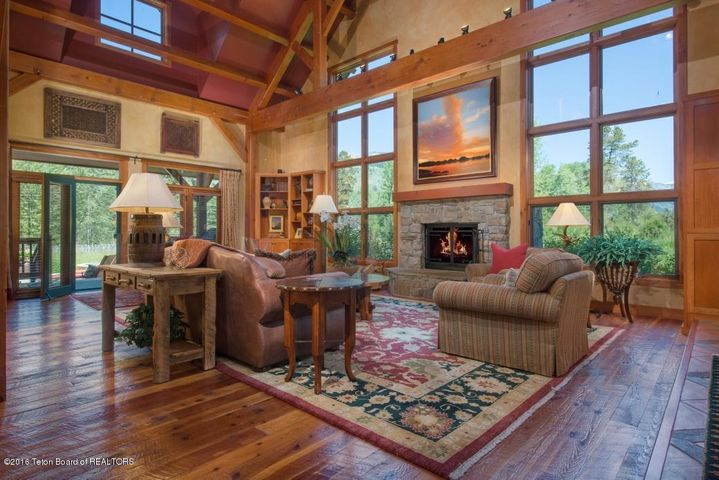 10 Living Room 1