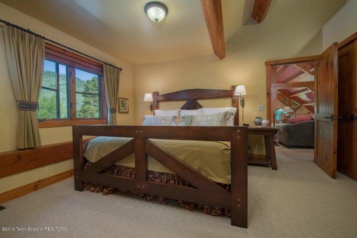 27 Loft Bedroom 2