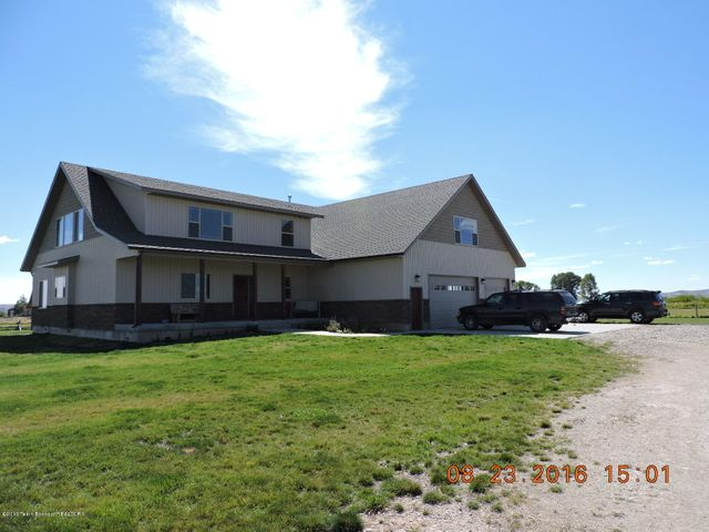 Huge 5 Bedroom / 4 Bath Home off of Pole Creek Road.
