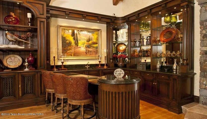 5 Bar in LIving Room