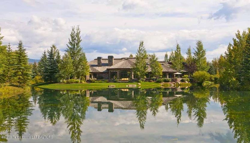 31 Summer Rear Exterior + Pond