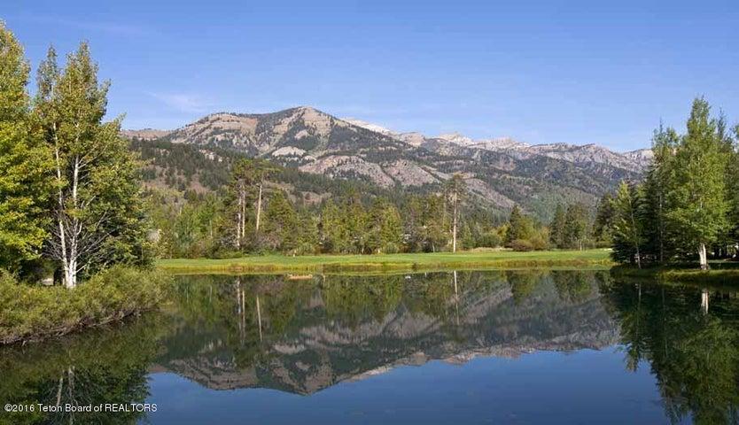 32 Summer Golf + Teton Mountain Views