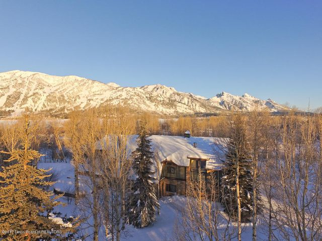 Winter Drone of Front, JHMR + Tetons