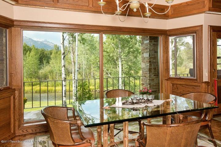 9 Eat-In Kitchen, Lake Creek + Tetons