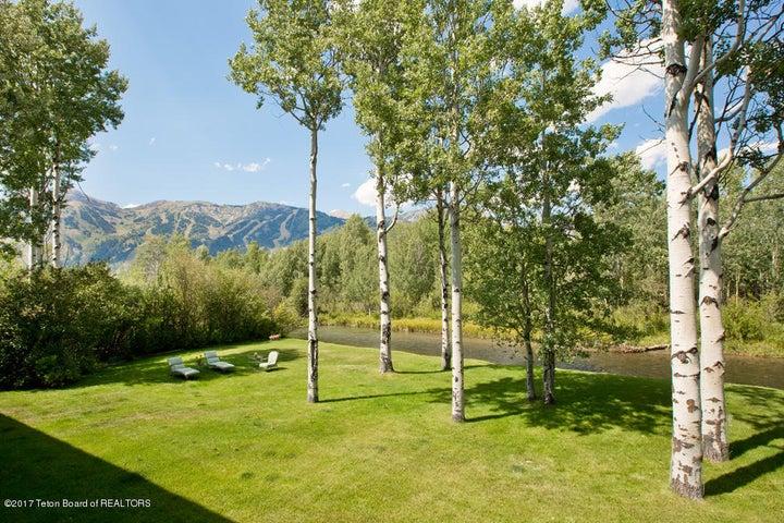 13 Lawn, Lake Creek + JHMR