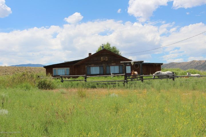 7897 US-26, Crowheart, WY 82512