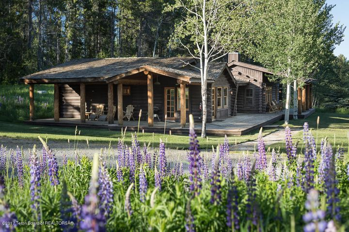 Lupine Lodge