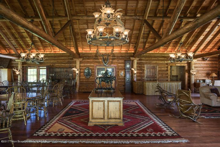 Historic Crescent H Lodge