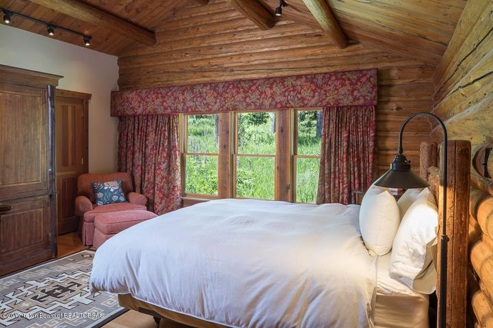 Liar's Den Bedroom 2