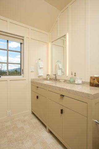 Guest Room 2 bath