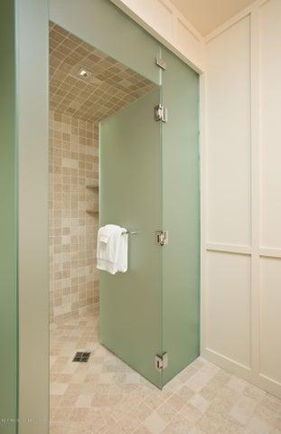 Guest Room 1 Bath