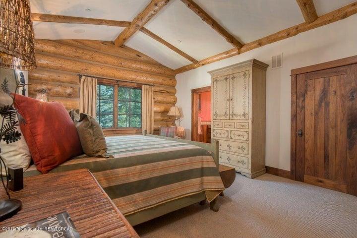 Guest Suite 3 Upper Level