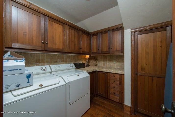 Guest Apartment Laundry Rm.