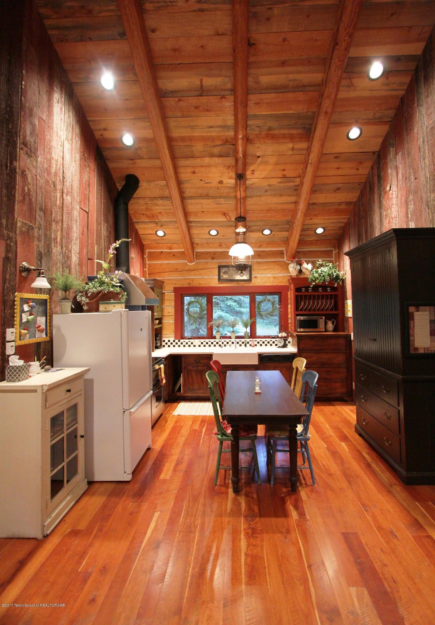 GH Kitchen 2 300 dpi