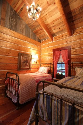 GH South Bedroom 1 300 dpi