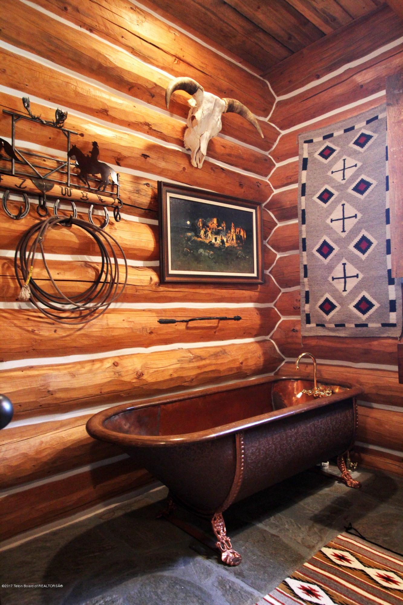 Womack Bunk Room Bath 1 300 dpi