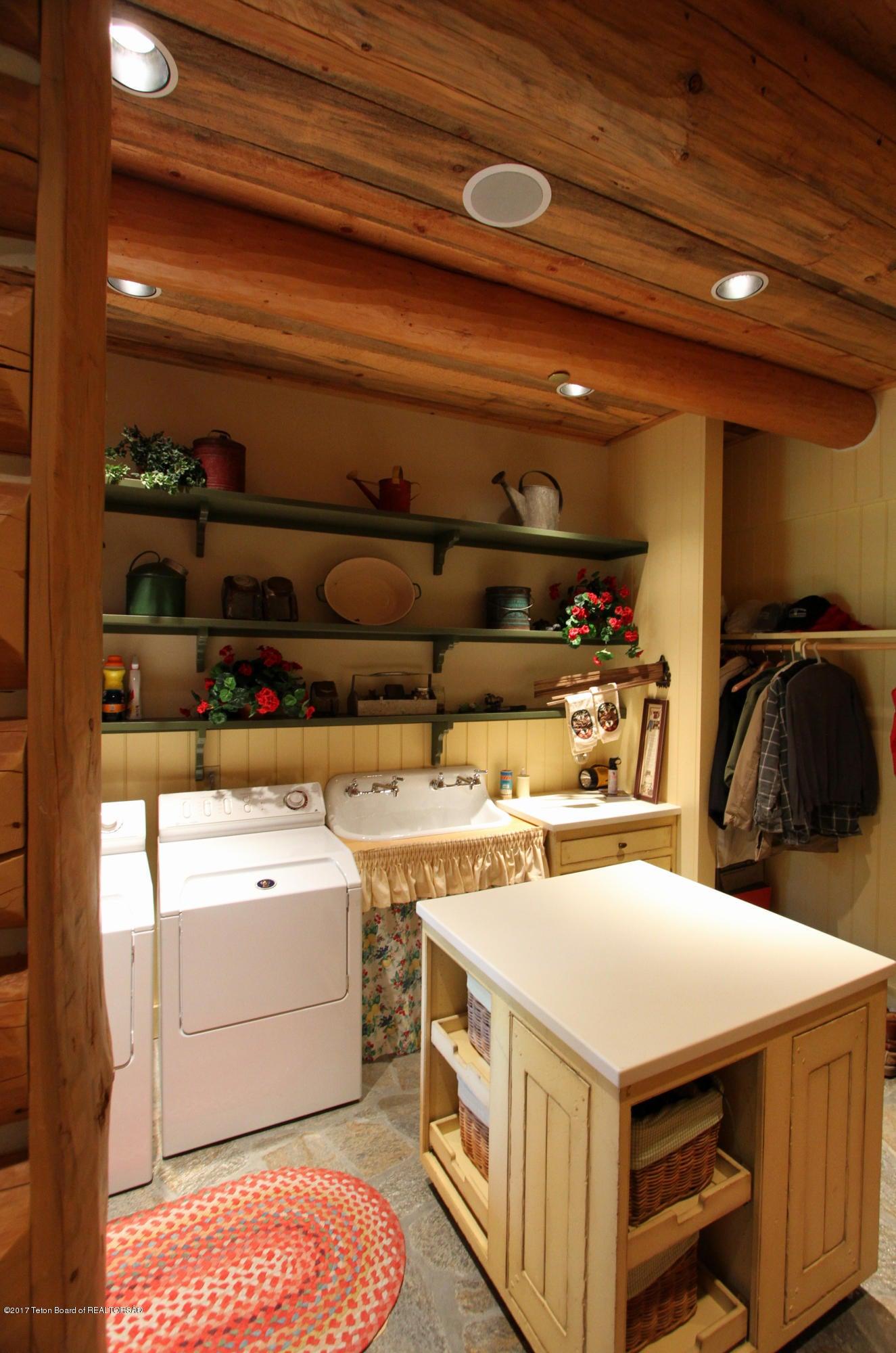 Womack Laundry Room 1 300 dpi