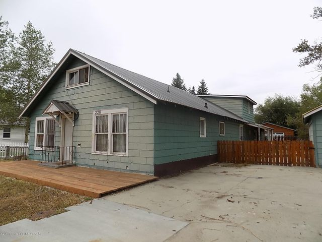 228 S TYLER AVE, Pinedale, WY 82941
