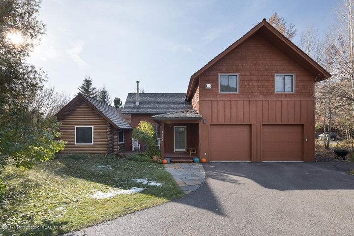 2035 HIDDEN RANCH LOOP, Jackson, WY 83001