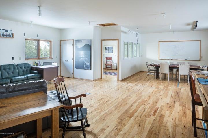 studio + office/bedroom apartment