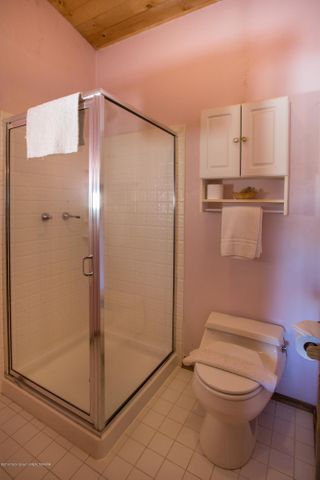 Bathroom 3 of 6