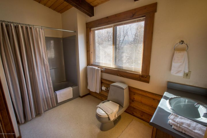 Bathroom 5 of 6