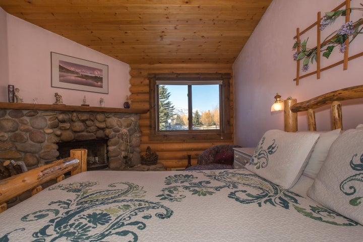Bedroom 3 of 6