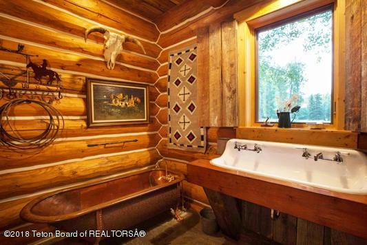 A Bunkroom Bath 2100 dpi