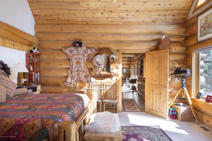 13 - Master Bedroom Alt View