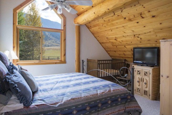 17 - Guest Bedroom 2
