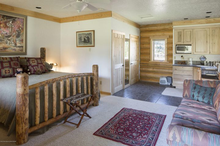 20 - Guest Cabin