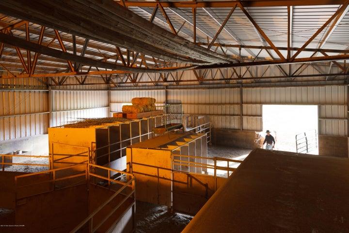 34 - Indoor arena and livestock building