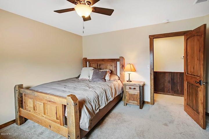 Kestrel Bedroom 2-2