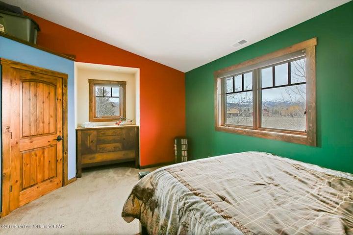 Kestrel Bedroom 3-1