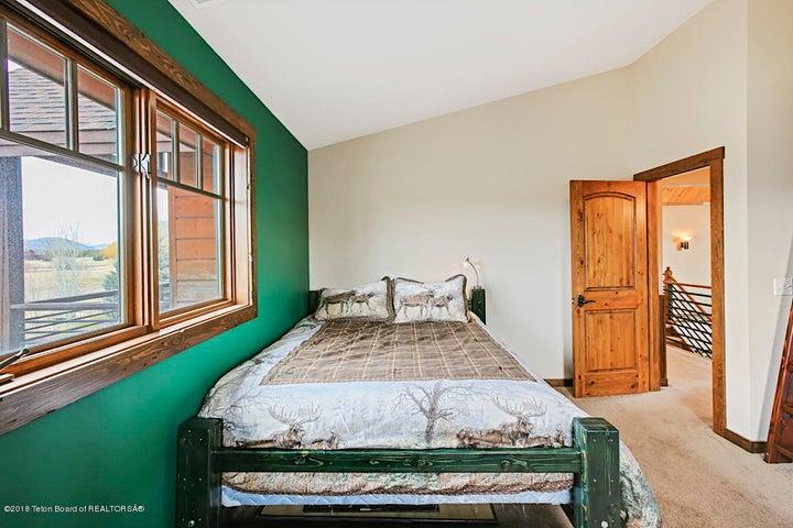 Kestrel Bedroom 3-2
