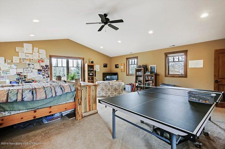 Kestrel Bedroom 5-1