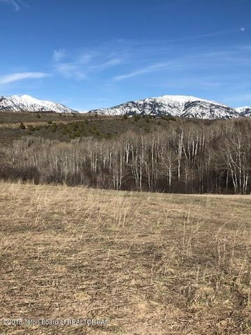 5 STRAWBERRY HILLS DRIVE, Bedford, WY 83112