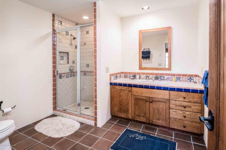 jr suite 1 bath