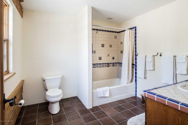 jr suite 2 bath