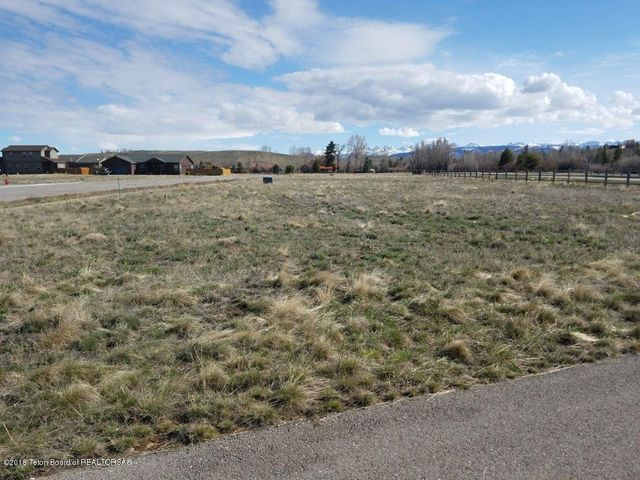 37 TRAILS CREEK AVE, Pinedale, WY 82941