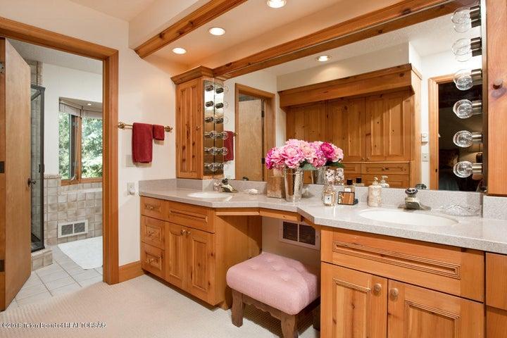 10 Master Bathroom Double Vanity