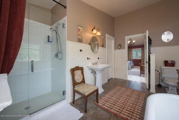 Master bathroom alt view